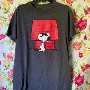 Peanuts snoopy joe cool graphic tee